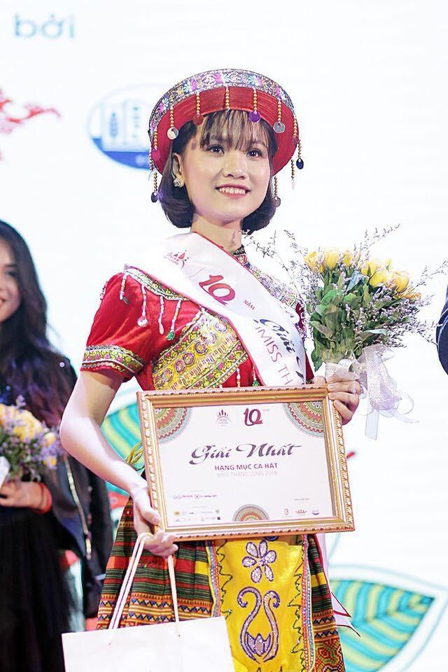 Mạc Thùy Dương là quán quân hạng mục Ca hát trong cuộc thi Imiss Thăng Long 2018 vừa qua