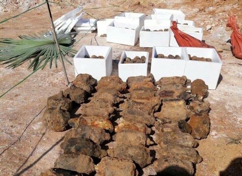 Vụ phát hiện vật nổ cạnh trường học: Tìm thấy... 750 vật nổ - Ảnh 1.