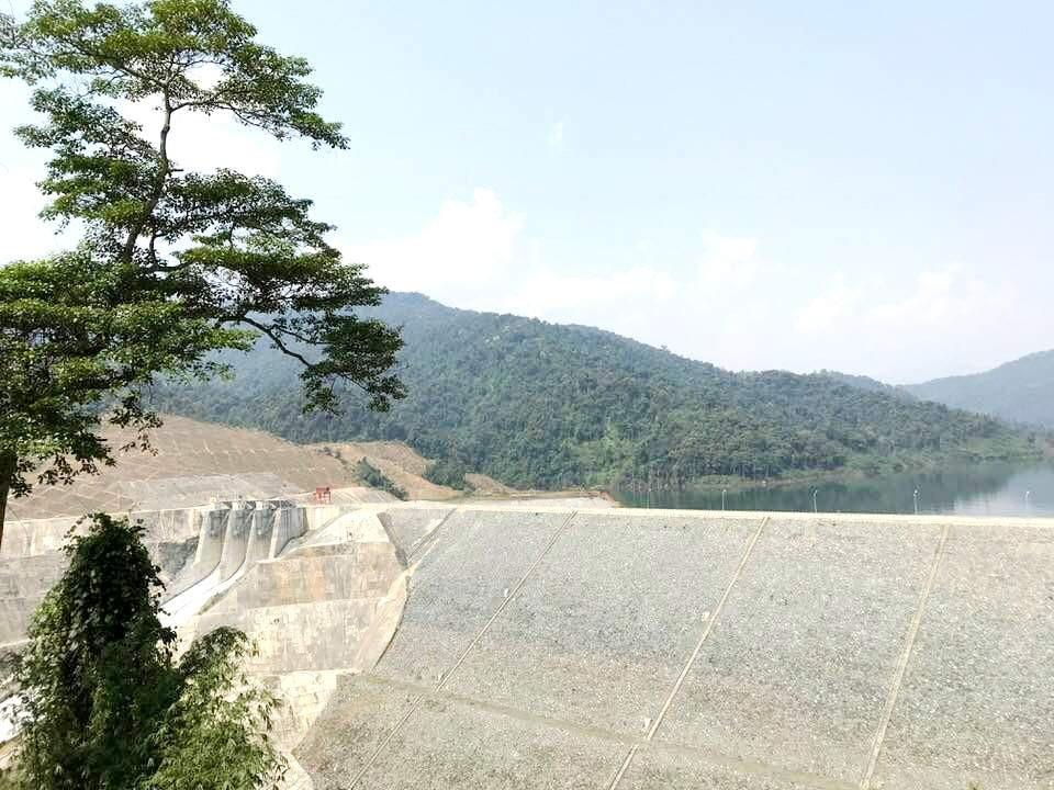 Thủy điện Sông Bung 2 được phép tích nước nhưng... không có nước để tích - Ảnh 1.