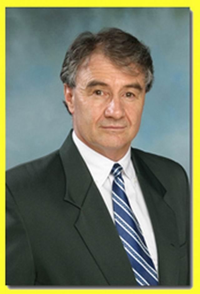 Tiến sỹ Tony Earnshaw, nhà sáng lập hệ thống I Can Read.