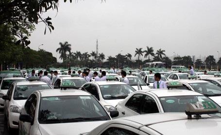 """Hà Nội sẽ """"mặc đồng phục"""" cho 20.000 xe taxi - Ảnh 1."""