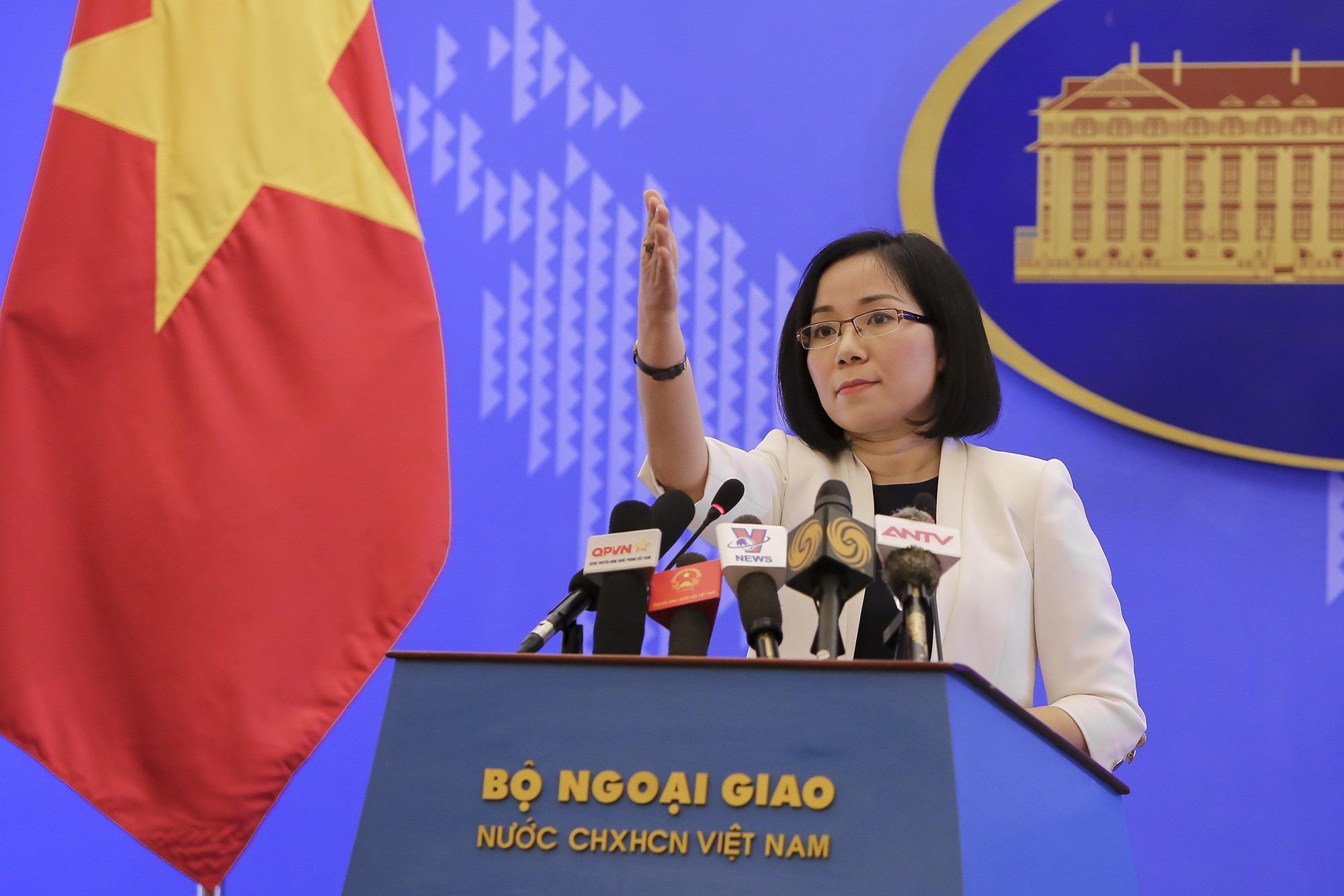 Bất chấp phản đối của Việt Nam, Đài Loan diễn tập bắn đạn thật ở Trường Sa - Ảnh 2.