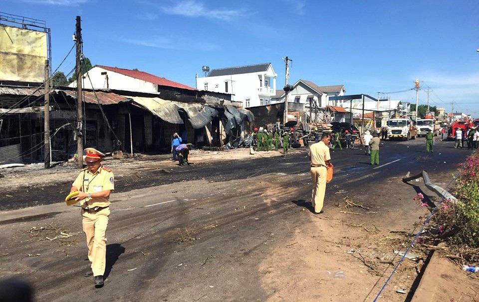Công an Bình Phước thông tin chính thức vụ cháy 19 căn nhà, 6 người chết - Ảnh 2.