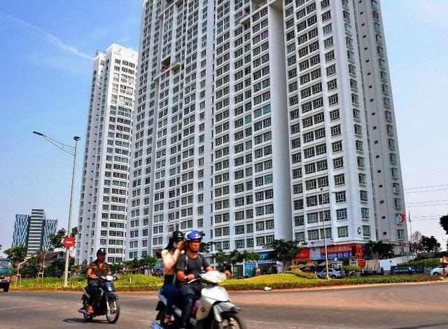 """Thị trường bất động sản hiện nay đang có xu hướng sụt giảm nguồn cung căn hộ vừa túi tiền do """"nghẽn"""" về chủ trương đầu tư."""