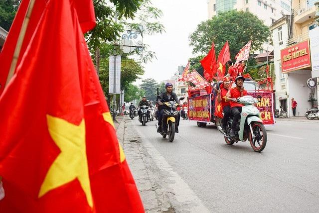 Việt Nam 3-0 Campuchia: Giành ngôi đầu bảng - 33