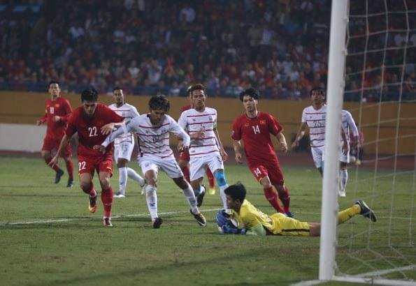 Đội tuyển Việt Nam giành ngôi đầu bảng A AFF Cup 2018 với 10 điểm