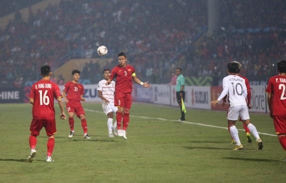 Đội tuyển Việt Nam chơi áp đảo ở những phút đầu