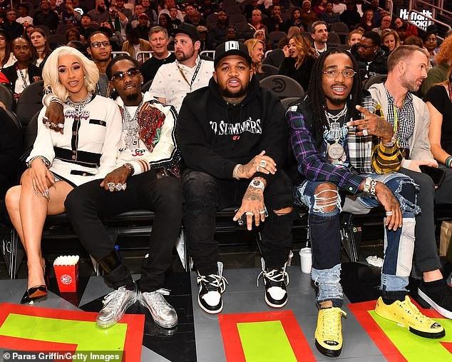 Bạn bè của cặp đôi này gồm DJ Mustard và Rapper Quavo cũng không kém chói lóa khi ngồi trên hàng ghế VIP