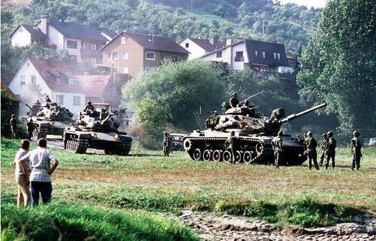 Bộ binh tham gia diễn tập Able Archer 83 - cuộc tập trận suýt châm ngòi Thế chiến III. Ảnh: Foreign Policy