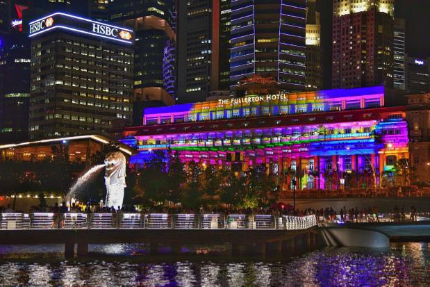 Còn gì tuyệt bằng việc điều ước trong đêm giao thừa của bạn được trình chiếu tại những địa điểm nổi tiếng nhất Singapore!