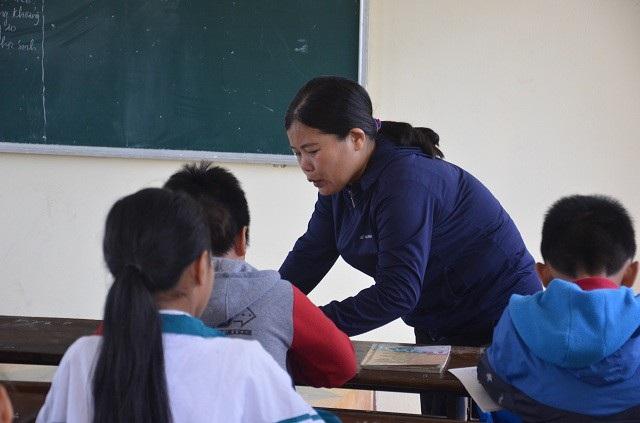 Cô giáo Nguyễn Thị Phương Thủy trong một tiết dạy tại lớp 62