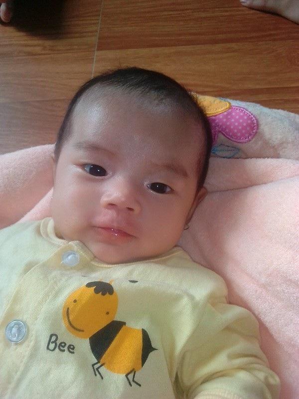 Đứa con thơ mới 2 tháng tuổi đã phải sống trong cảnh khát sữa vì cha gặp nạn