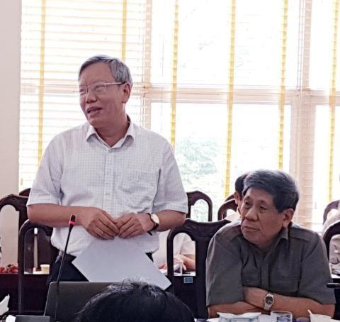 PGS.TS. Đỗ Ngọc Dung - đại diện Liên hiệp các Hội KH-KT tỉnh Ninh Bình phát biểu tại Diễn đàn khoa học Tinh giản biên chế và cơ cấu lại đội ngũ cán bộ, công chức, viên chức theo tinh thần Nghị quyết Số 39-NQ/TW