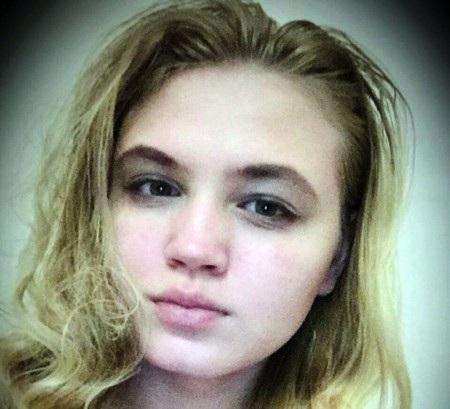 Ekaterina Tirskaya tự cho mình là một ma cà rồng