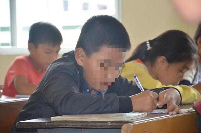 Hình ảnh em N đi học lại sau vụ bạo lực học đường đáng tiếc xảy ra.