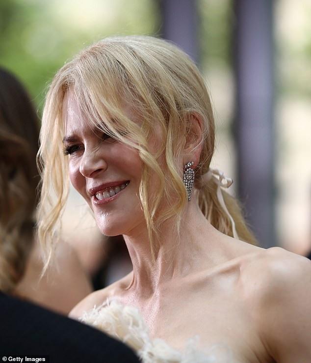 Nicole Kidman trẻ đẹp đáng kinh ngạc trên thảm đỏ