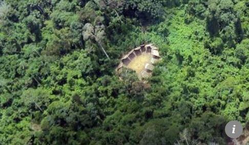 Các túp lều của bộ tộc Ayoreo (Ảnh: AFP)