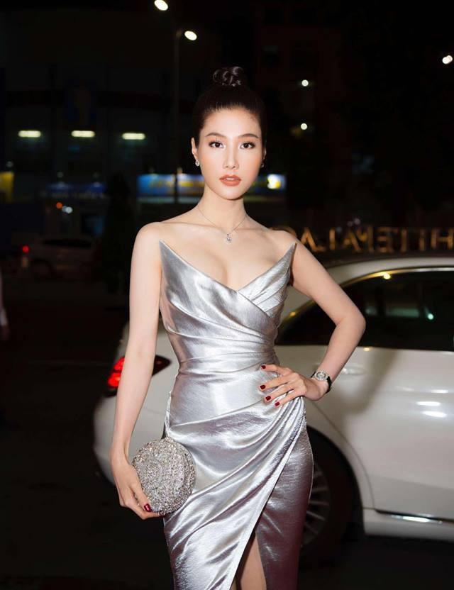 Hình ảnh mới nhất của Diễm My khi đi tham dự show thời trang