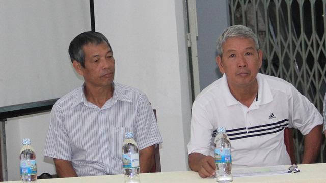 Cựu HLV Đoàn Minh Xương (phải) - ảnh: Trọng Vũ