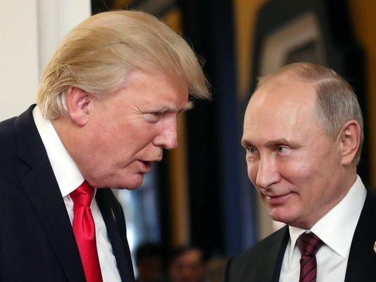 Tổng thống Mỹ Donald Trump (trái) và người đồng cấp Nga Putin. (Ảnh: EPE)