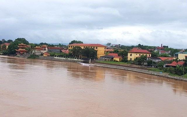 Dòng sông Lục Nam, khu vực xảy ra vụ sạt lở kè chục tỷ.