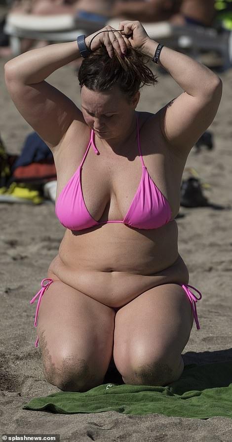 Chanelle Hayes: Tăng cân vẫn tự tin diện áo tắm - 14