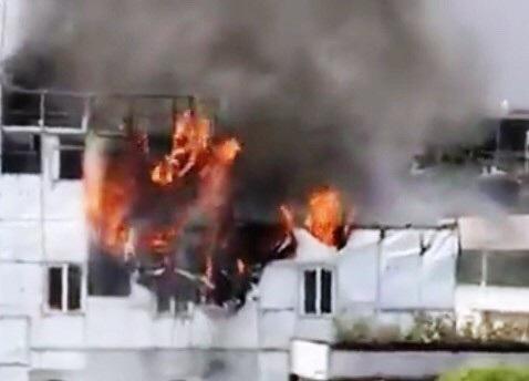 Khách sạn ở Trung tâm Sài Gòn cháy ngùn ngụt, khách nước ngoài ôm đồ chạy - 2