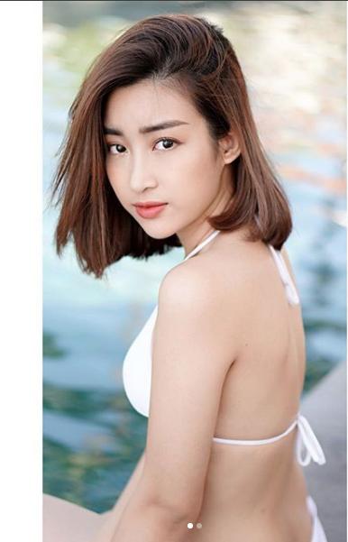 Hoa hậu Đỗ Mỹ Linh cũng gây chú ý khi đăng tải trên trang cá nhân bức hình mới. Hoa hậu Đỗ Mỹ Linh diện bikini, khoe thân hình vô cùng gợi cảm quyến rũ trên trang cá nhân.