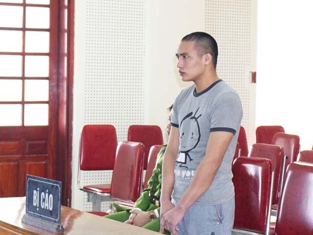 Bị cáo Lương Văn Hùng tại phiên tòa.