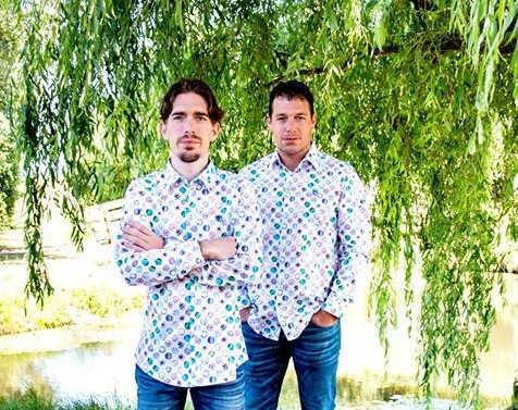 "Hai anh em nhà Bakker, chủ nhân kênh Youtube ""Jelle's Marble Runs"""