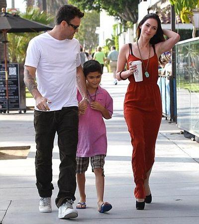 Cậu con trai riêng Kassius của Brian là người duy nhất chứng kiến hôn lễ của Brian và Megan Fox vào năm 2010.