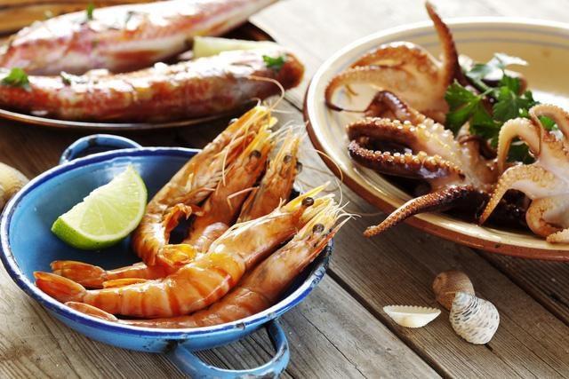Sử dụng thực phẩm giàu purin khiến bệnh gút nặng nề hơn