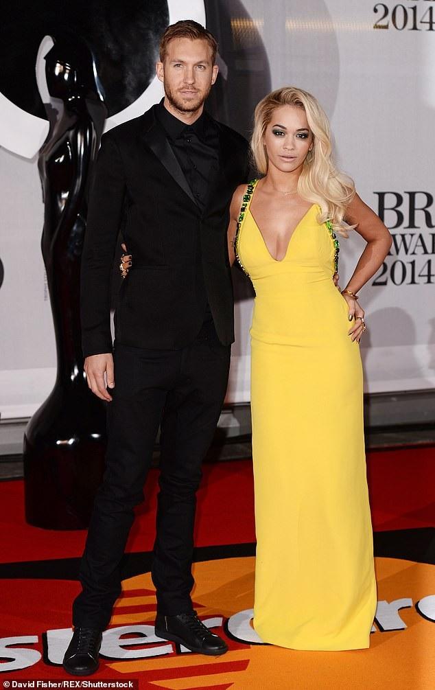 Rita từng có chuyện tình thu hút truyền thông với DJ nổi tiếng Calvin Harris trong vòng 1 năm trước khi chia tay vào năm 2014.