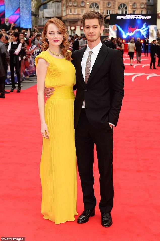 Andrew Garfield từng cặp kè với bạn diễn Emma Stone từ năm 2011 và chia tay vào năm 2015.