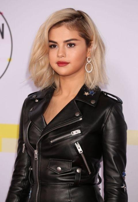 Selena luôn dặn mình: Hãy cố gắng hết sức và bạn không bao giờ cô độc.