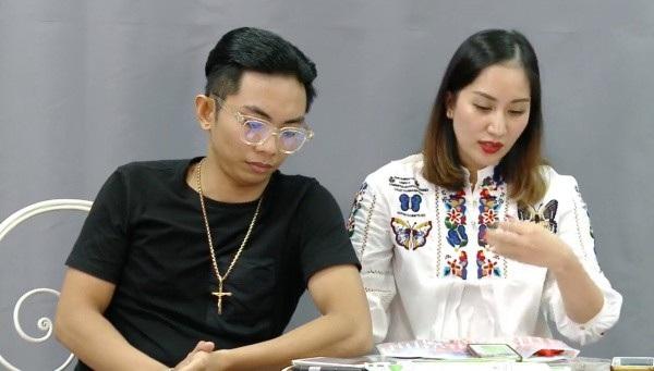 vợ chồng kiện tướng dancesport Khánh Thi – Phan Hiển đã có buổi livestream dài để chia sẻ về kết quả của hai học trò là Ngọc An - Tố Uyên.