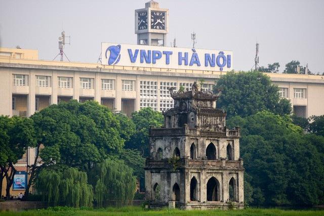 Tòa nhà Bưu điện Hà Nội được đổi tên thành VNPT Hà Nội. (Ảnh: Toàn Vũ)