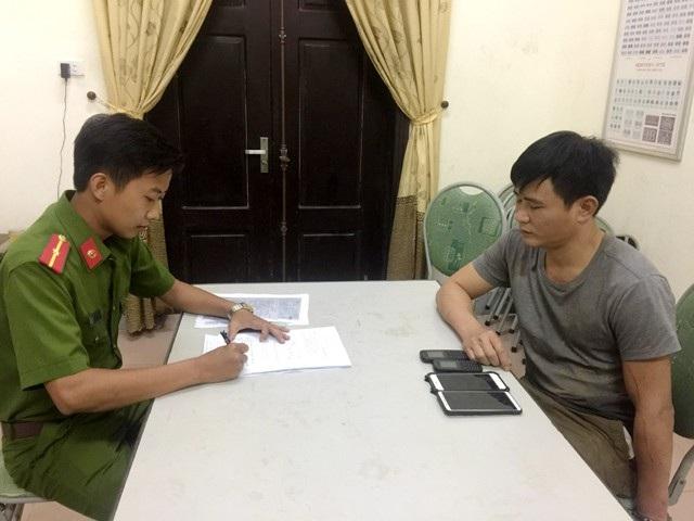 Công an huyện Anh Sơn lấy lời khai ban đầu đối với Lê Văn Nam.