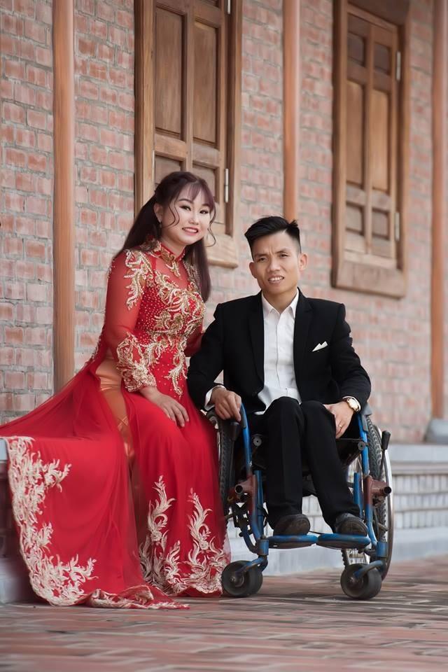 Tình yêu của anh Nguyễn Quang Tạo và chị Phạm Thị Kiều Trang khiến nhiều người xúc động