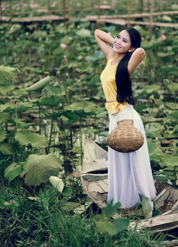 """Giới trẻ thoả sức """"check in"""" hồ sen ở vùng cát trắng Ninh Thuận - 5"""
