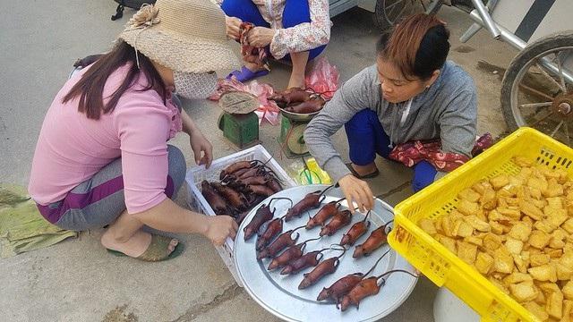 Thịt chuột đồng được bày bán ở nhiều khu chợ Việt Nam