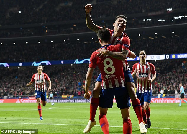 Saul Niguez ăn mừng bàn thắng mở tỷ số ở phút 33