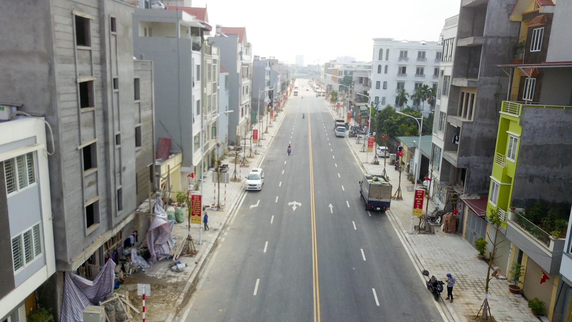 Ngắm con đường 650m đầu tư 200 tỷ mới thông tại Hà Nội - Ảnh 2.