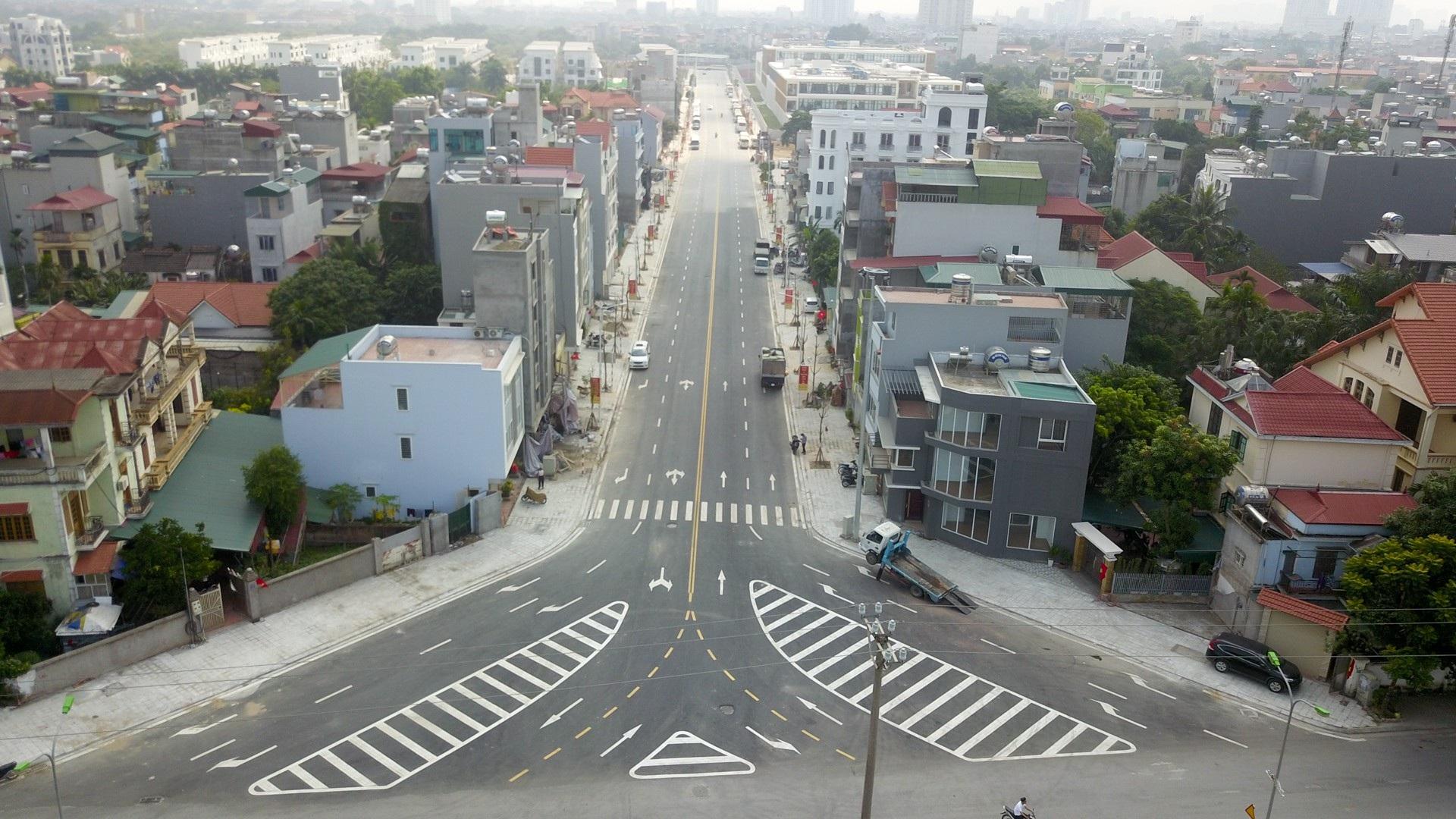 Ngắm con đường 650m đầu tư 200 tỷ mới thông tại Hà Nội - Ảnh 1.