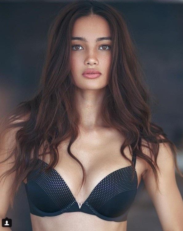 """Người mẫu Philippines đầu tiên được trình diễn trong show """"thiên thần"""" - 3"""