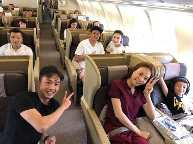 Ngược lại, Subeo cũng vô cùng vui vẻ khi đi chơi cùng ba Cường và bạn gái của ba – Đàm Thu Trang.