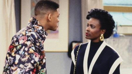 """Khi tham gia """"Fresh Prince of Bel-Air"""", Janet Hubert đã bị thay vai """"giữa đàng"""" vì có mâu thuẫn với bạn diễn Will Smith. Janet Hubert thậm chí đã gọi Will Smith là """"đứa trẻ hư"""" và nói rằng nam tài tử có những hành động kinh khủng với mình. Để đáp lại, Will Smith """"tố"""" Janet Hubert mới chính là người có thái độ khó chịu trên phim trường."""