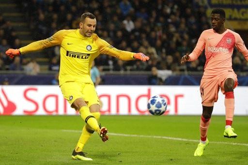 Handanovic thi đấu xuất sắc giúp Inter cầm chân Barcelona