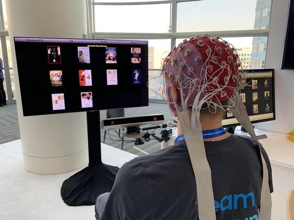 Samsung đang phát triển công nghệ mới cho phép điều khiển TV bằng trí não