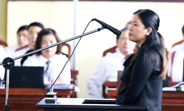 Bị cáo Lê Thị Lan Thanh điều hành Công ty cổ phần viễn thông và giải trí số Việt Nam (Công ty GTS) bị phạt 2 năm tù về tội Tổ chức đánh bạc, phạt 450 triệu đồng về tội Mua bán trái phép hóa đơn.